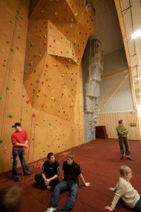 klatreveggen i Aurlandshallen -