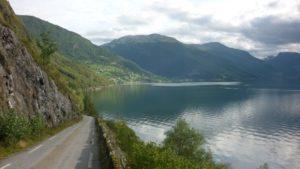 Sykkeltur til Skjerdal. Eg liker denne vegen fordi det er så lite trafikk og kjempeutsikt utover fjorden sørover