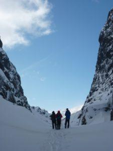 """Ein skitur til skulens hytta i Rasmusdalen (eller """"rasfare-musdalen""""?) i ein lang helg rundt påske."""