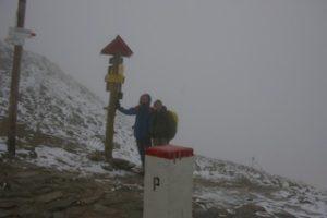 Gabriel og Nat på 1989 moh over i Slovakia, bilde tatt fra Polen