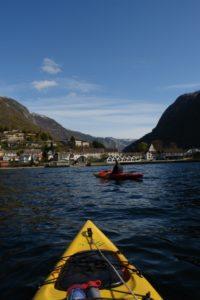 Kano - Jordbruksskolen har  ikke kano, men det er mulig å padle kano rundt i Sognefjorden og i vannene på fjellet.