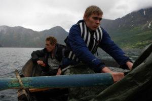 Robåt - Skolen har to trerobåter som er ganske gamle. Det er plass til 5-6 personer i hver båt. Den ene er en Sognebåt som er veldig god å ro.