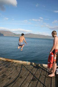 Bading i sjøen - Bading er veldig gøy, og du trenger ikke å være noen Superman for å gjøre det. Drukning - Jeg foreslår ikke drukning, kan ha dårlig effekt på helsa di.