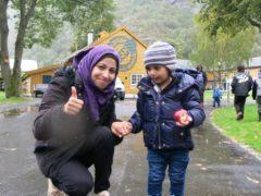 Maryam har fått norskopplæring på SJH, og kanskje vert son hennar agronomelev ein gong i framtida?
